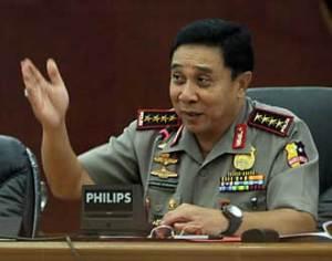 Kapolri Bambang memilih dielus-elus & dibisiki Susno daripada mendengar atasannya/ SBY  dan  masyarakat anti korupsi. Loyalitas pada bangsa & negara ke mana ?
